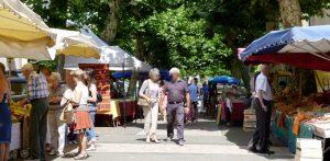 Sur le Marché de Barbotan-les-Thermes le Mercredi